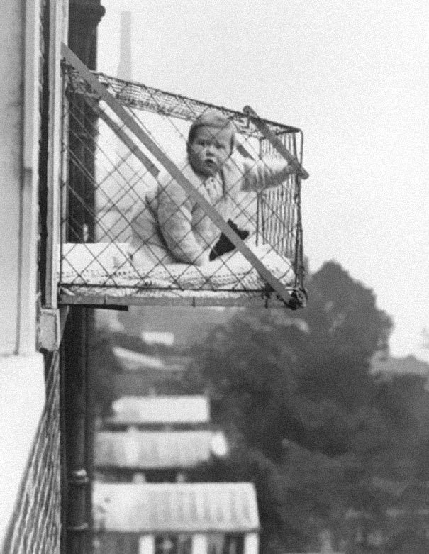 Baby cage 1937